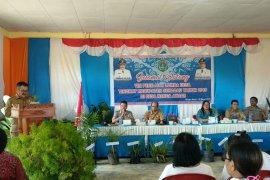 Aloysius buka lomba desa tingkat kabupaten di Balai Sepuak