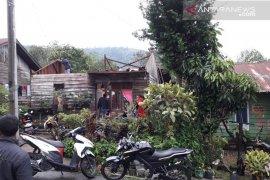 Puting beliung terbangkan atap rumah warga di Bener Meriah