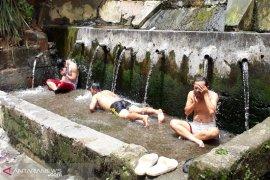 Warga Sindang Kelingi kembangkan potensi wisata pemandian air panas