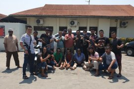 Tim gabungan Polda Aceh tangkap tiga tersangka perampokan truk boks