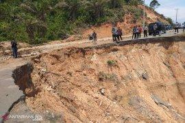 Menteri PUPR: Abrasi Urai-Serangai ditangani mulai April