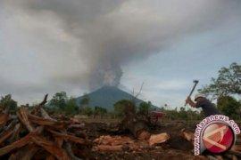 Status siaga, Gunung Agung erupsi