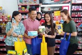 Untuk kelestarian lingkungan, Alfamart ajak konsumen kurangi plastik dengan KPTG