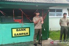 Yonif Mekanis Jembrana buka bank sampah