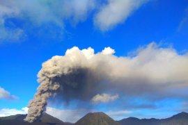 Meski erupsi, Gunung Bromo tetap aman dikunjungi