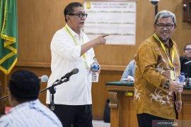 Aher dan Deddy bersaksi di  sidang Meikarta