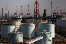 Harga minyak naik di perdagangan Asia setelah persediaan AS jatuh