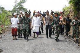 Bupati Bangli dan Pangdam Udayana tinjau TMMD