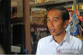 Presiden Jokowi sambangi toko bangunan di Lombok
