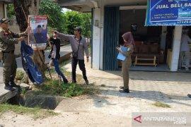 Bawaslu Bangka Barat tertibkan sejumlah APK di Muntok