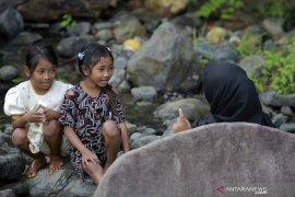 Warga : Suku Polahi Membutuhkan Pendidikan Yang Layak