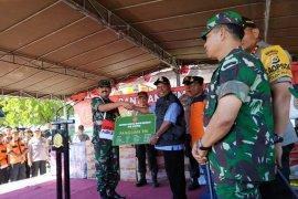 Panglima TNI dan Kapolri bantu korban banjir di Sentani