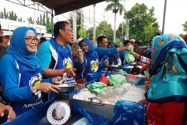Menarik minat gemar makan ikan, Pemkab Situbondo jual ikan harga murah (Video)