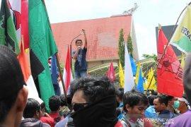 Mahasiswa Samarinda Demo Tolak Pembangunan  Pabrik Semen