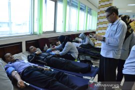 HUT ke-55 Bank Kalbar peduli kemanusiaan gelar donor darah