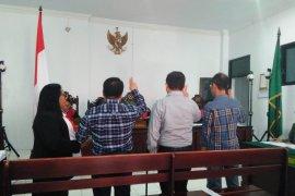Pengusaha asal Surabaya berbelit-belit di persidangan