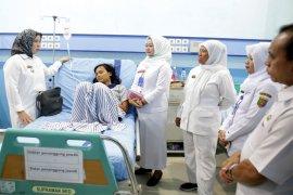 Bayana Berikan Perhatian Wanita Asal Lombok Yang Terlantar