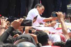 Jokowi mampir ke Pondok Ale - Ale, cicipi kuliner khas Kalbar