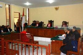 PN Sibolga kembali gelar sidang dakwaan mantan Bupati Tapteng Sukran Tanjung