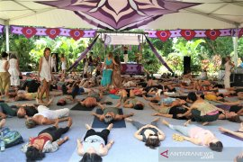 Senam Yoga BaliSpirit Festival 2019