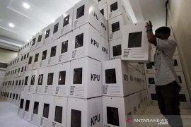 Perampungan final kotak suara KIP Lhokseumawe
