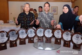 Boyong 9 Penghargaan, Pupuk Kaltim Raih The Best Indonesia Green Award 2019