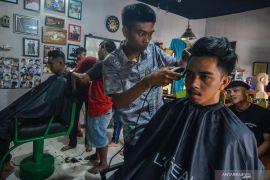 Listrik mati picu protes konsumen pangkas rambut