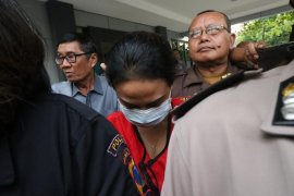 Kejari Surabaya terima pelimpahan tahap dua tersangka VA