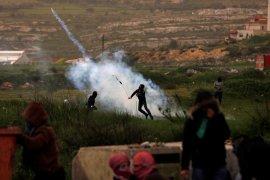 Kasihan, Guru-murid Palestina sesak nafas akibat gas air mata tentara Israel