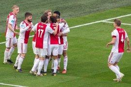 Klasemen sementara Liga Belanda, Ajax tempel ketat PSV di Puncak