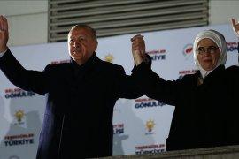 Oposisi memimpin penghitungan suara di Istanbul