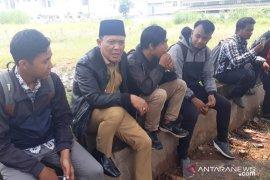 "Calo diduga masih ""berkeliaran"" di Disnakertrans Karawang"