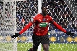 Rennes tundukkan Lyon 3-2 untuk capai final Piala Prancis