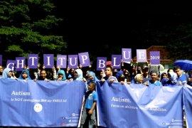 Individu dengan autisme rayakan LIUB di Monas