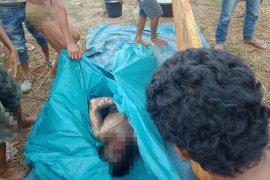 Mayat laki-laki ditemukan dengan kaki dan tangan terikat, mulut dilakban