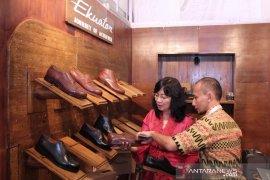 Indonesia negara produsen dan konsumen sepatu peringkat ke-4 dunia