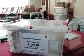 Sepucuk surat dari Mongolia berbaur di kotak suara pesta demokrasi