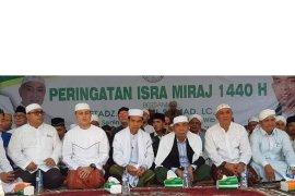 UAS hadiri Isra' Mi'raj di pesantren Mustafawiyah Purba Baru