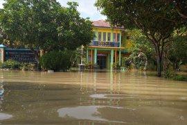 Pelaksanaan USBN SMPN 1 Indramayu ditunda akibat banjir