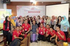 Alfamart gelar pelatihan pemberdayaan perempuan dan sosialisasikan diet kantong plastik