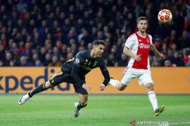 Ajax vs Juventus imbang 1-1