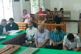 Empat anggota DPRD Tapteng diadili dalam perkara korupsi