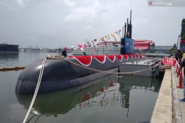 Kapal Selam Alugoro tes kemampuan selam di Banyuwangi
