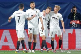 Valencia pecundangi Villarreal 3-1 lewat dua gol menit-menit akhir