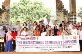"""""""The International Community Service"""" lakukan riset pertanian di Bangli"""