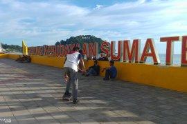Taman Budaya  Pantai Padang jadi primadona kunjungan warga