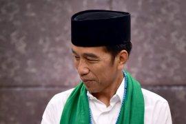Selesai debat Jokowi langsung berangkat umrah