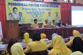 Ratusan pengurus partai Golkar Situbondo peroleh pendidikan politik