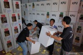 Bupati Tangerang ingatkan KPU antisipasi penambahan suara perkotaan