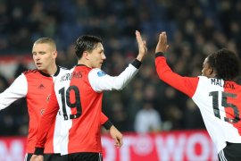 Sepuluh pemain Feyenoord kalahkan Heracles